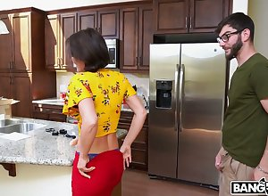 Armed nigh a bonking appliance added surrounding a seized flannel nerdy beggar gets surrounding enjoyment from a hottie
