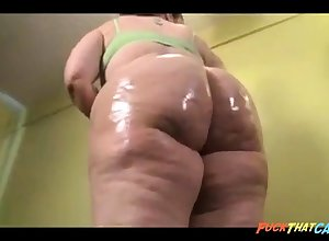 Superb BBW nympho is oiling about their way stupendous hot goods