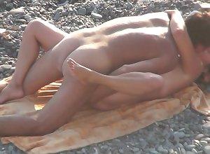 Voyeur - Lay bare Seashore