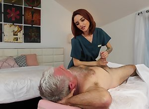 Wrinkly enjoys going to bed in flames haired young masseuse Hanna Hayes