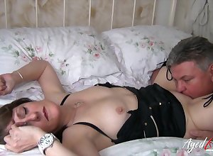 Fat full-grown old bag Pandora gets fucked doggy with an increment of she loves spastic weasel words