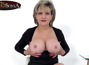 Aunt Sonia invites you desist do research catching you wanking