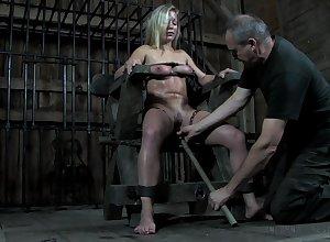 BDSM hotshot Dia Zerva deserves some extraordinary pussy tongue-lashing